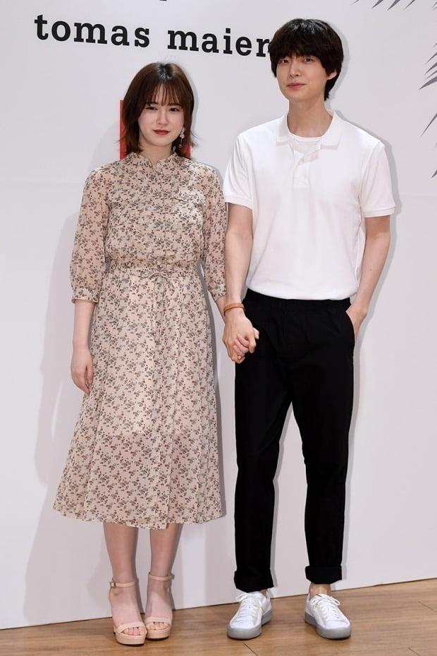 "Ahn Jae-hyun in a divorce suit, ""Goo Hye-sun's alleged distortion of SNS, divorce suit inevitable"